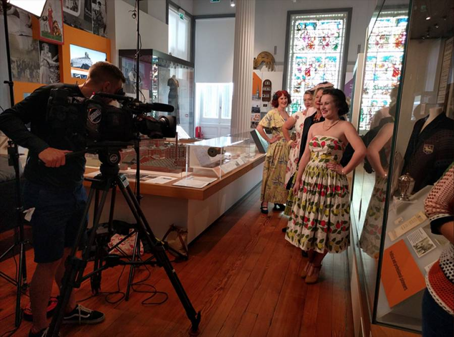 BBC's Bargain Hunt Films At The Harris